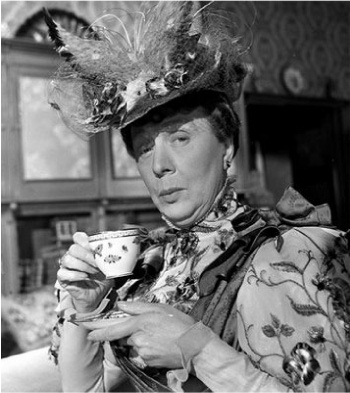Lady Bracknell (Dame Edith Evens)